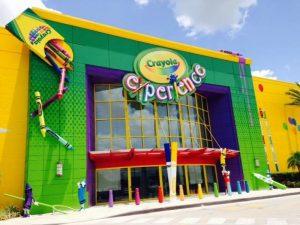 O Crayola Experience Orlando foi inaugurado hoje no Florida Mall