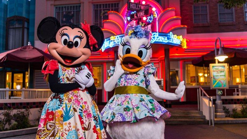 Já é possível fazer reserva para a refeição com personagens Minnie's Springtime Dine Blooms