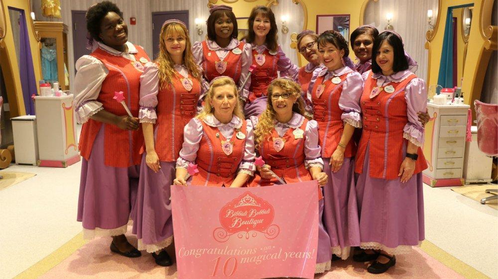 Bibbidi Bobbidi Boutique em Disney Springs celebra 10 anos de magia em Walt Disney World Resort