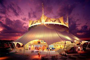 A última apresentação do espetáculo La Nouba do Cirque du Soleil será realizada no dia 31 de dezembro de 2017