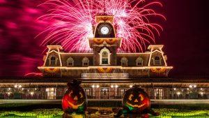 A Disney já divulgou as datas do evento Mickey's Not-So-Scary Halloween Party de 2016