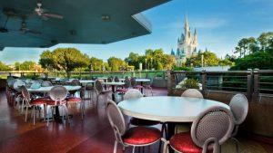 Durante essa semana o serviço Mobile Order será a única opção para fazer o seu pedido no restaurante Tomorrowland Terrace