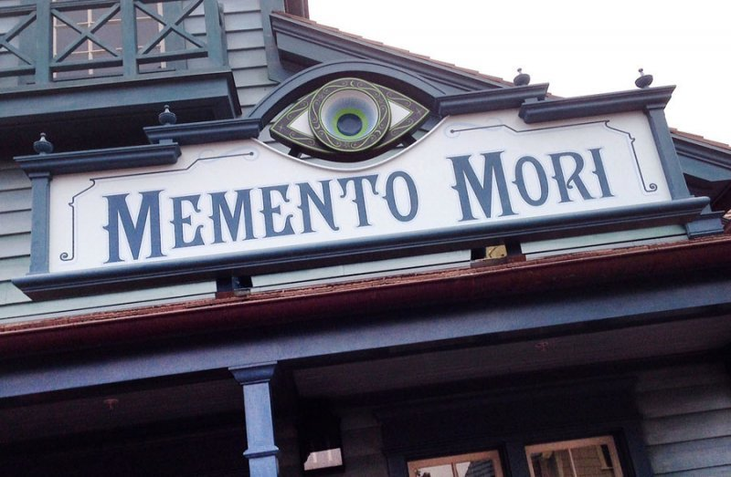 Memento Mori é a nova loja do Magic Kingdom especializada em artigos inspirados na Haunted Mansion