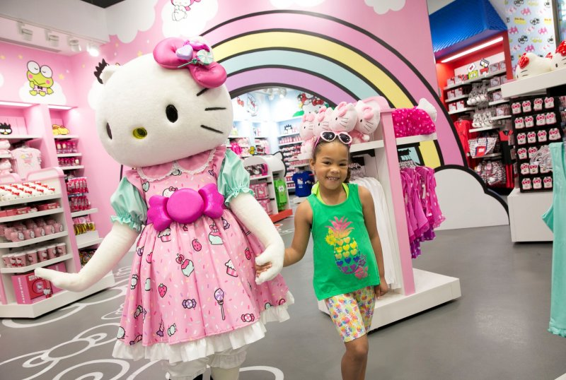 Hello Kitty Shop Featuring Hello Kitty and Friends