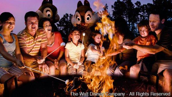 Chip 'N Dale's Campfire Sing-A-Long é diversão garantida para os pequenos!