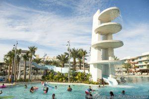 O Cabana Bay Beach Resort está oferecendo café da manhã gratuito de 7 de setembro a 17 de dezembro