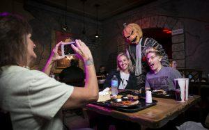 Halloween Horror Nights Scareactor Dining Experience está de volta!
