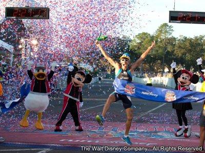 Adriano Bastos vence a 20th anniversary Walt Disney World Marathon