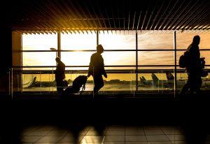 O Formulário 6059B (azul) foi substituído por quiosques de autoatendimento no Aeroporto Internacional de Orlando
