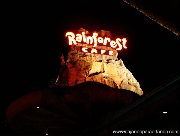 Novos efeitos no Rainforest Cafe de Downtown Disney