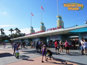 A Disney afirmou que não irá alterar o nome do parque Disney's Hollywood Studios