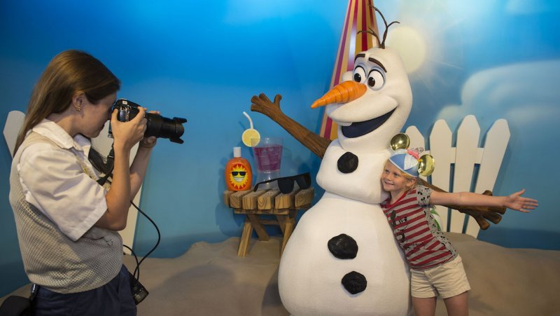 Olaf já está lhe aguardando no Celebrity Spotlight do parque Disney's Hollywood Studios