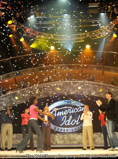 A atração The American Idol Experience já conta com músicas em espanhol