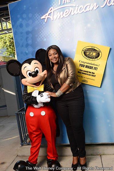 Candice Glover visita o parque Disney's Hollywood Studios