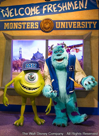 "Mike e Sulley divulgam ""Monsters University"" no parque Disney's Hollywood Studios"