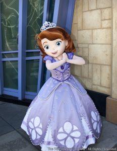 A princesinha Sofia irá receber os convidados no parque Disney's Hollywood Studios