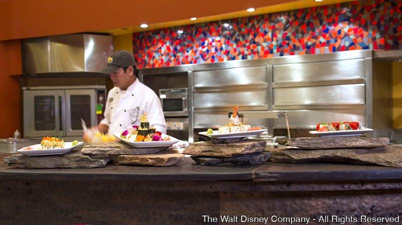Conheça algumas sugestões de restaurantes para você almoçar e que são acessíveis pelo monorail