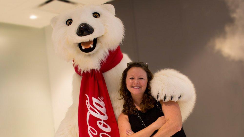 O famoso Urso Polar da Coca-Cola está em Disney Springs
