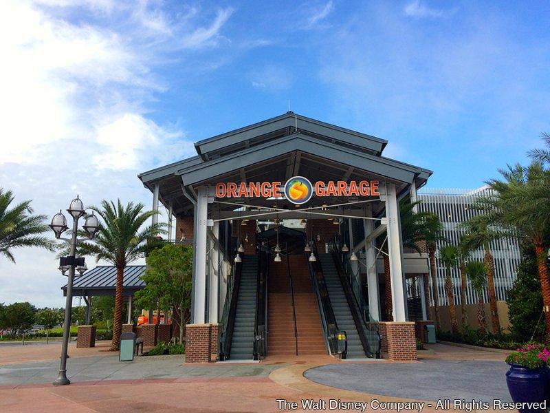 A Disney anunciou aprimoramentos no estacionamento de Downtown Disney e novas passarelas foram inauguradas