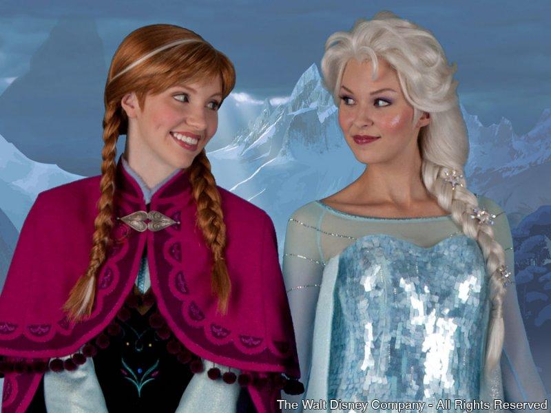 """Anna e Elsa (""""Frozen"""") já recebem os convidados no pavilhão da Noruega – Epcot"""