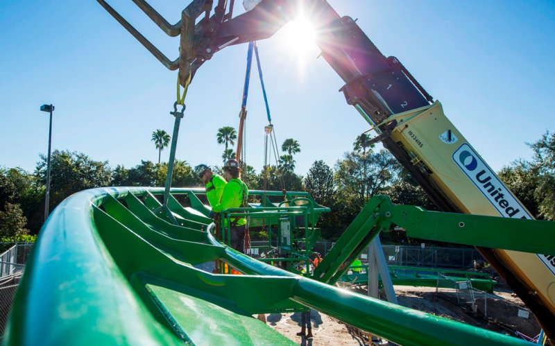 The Incredible Hulk Coaster Começa Seu Retorno