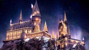 O Natal está chegando ao The Wizarding World Of Harry Potter com um espetáculo de projeções no Castelo de Hogwarts