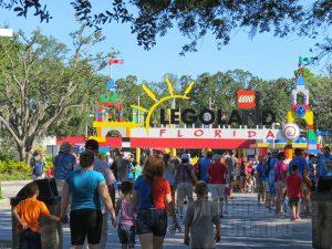 Legoland Florida foi evacuado após ameaça de bomba