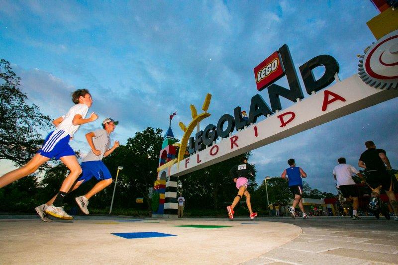 Conheça o evento Brick Dash 5K Run and Fun Walk do Legoland Florida Resort