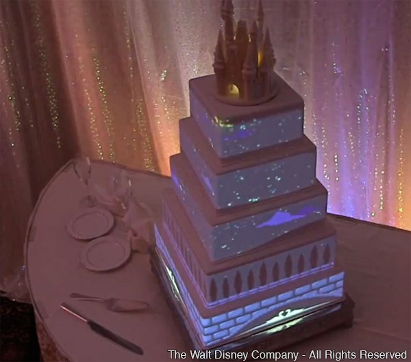 Conheça o novo bolo de casamento interativo da Disney