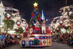 Durante as festas de fim de ano, o Walt Disney World faz a sua magia brilhar