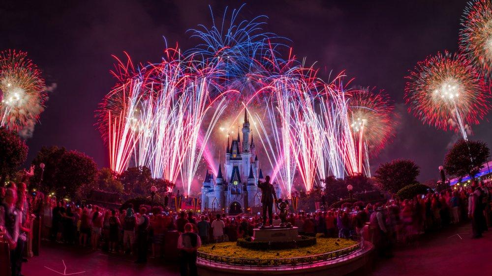 A Disney irá transmitir ao vivo o espetáculo de celebração ao Dia da Independência realizado no Magic Kingdom