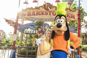 "Claire Danes (""Carrie Mathison"" de Homeland) conheceu o Pateta no Walt Disney World"