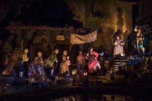 A atração Pirates of the Caribbean foi reaberta hoje e com uma alteração na cena do leilão
