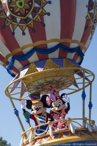 Disney Festival of Fantasy Parade estreia no parque Magic Kingdom