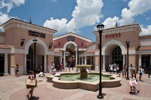 Com mais de 600 lojas e restaurantes a cidade de Orlando é um hotspot de compras dos Simon Shopping Destinations
