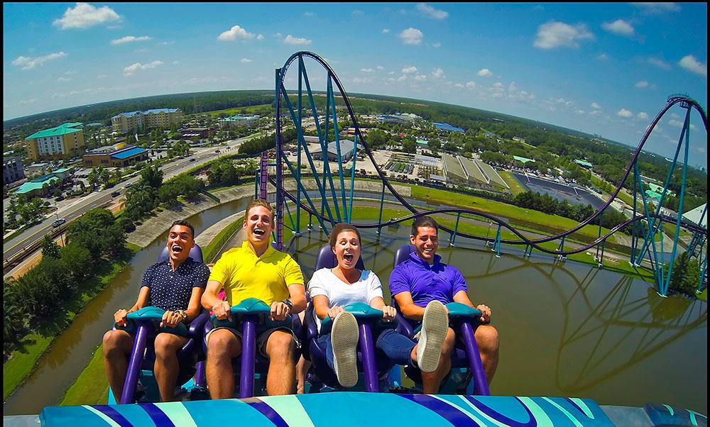 A montanha-russa Mako foi inaugurada hoje no SeaWorld Orlando