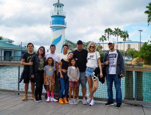 Ronaldo Nazário curte férias radicais com a família em Orlando