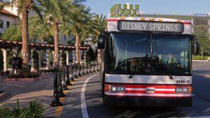 A Disney irá encerrar o serviço de transporte expresso pago
