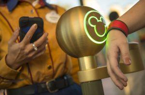 Os hóspedes de alguns dos hotéis do complexo Disney poderão adquirir o Theme Park Extra e obter benefícios, por exemplo: FastPasses adicionais!