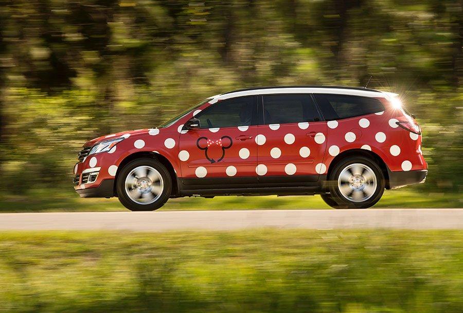 Novo sistema de transporte utilizando veículos inspirados na Minnie estará disponível em Walt Disney World