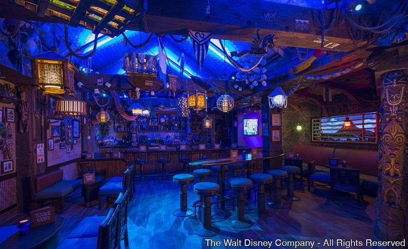 O lounge temático Trader Sam's Grog Grotto foi inaugurado hoje no Disney's Polynesian Village Resort