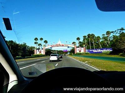 Nova lei obriga os turistas a apresentarem a PID – Permissão Internacional para Dirigir na Flórida