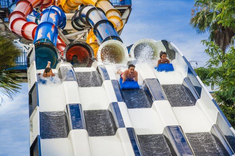 Wet'n Wild Orlando inaugurou sua mais nova atração – Aqua Drag Racer