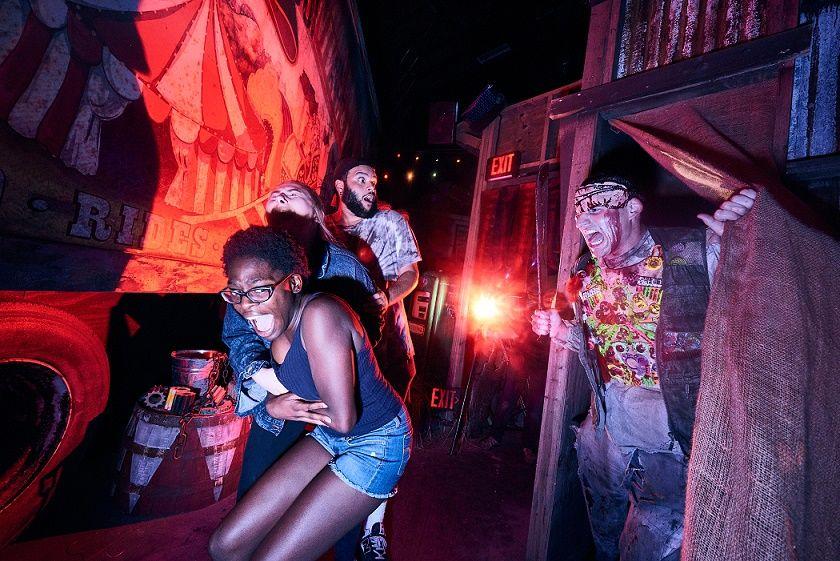 Oferta de ingressos e pacotes para o Halloween Horror Nights