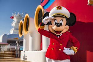 Disney Cruise Line e Capitã Minnie Mouse inspiram a nova geração de capitãs de navio