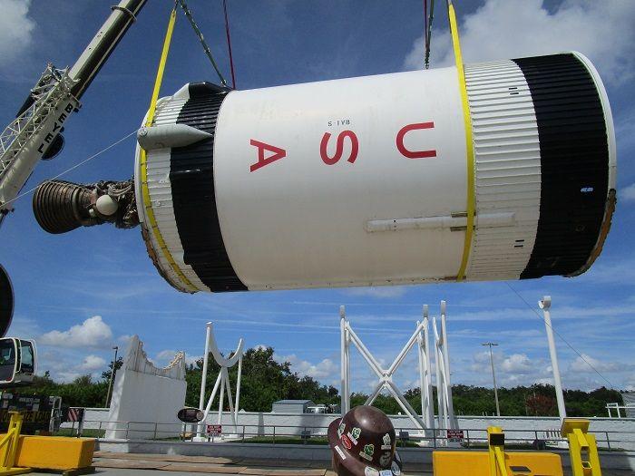 Complexo de visitantes da NASA restaura o último foguete Saturn IB do mundo