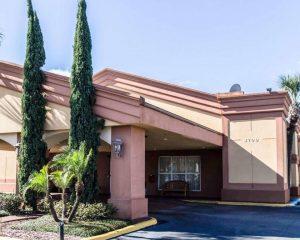 Econo Lodge Inn & Suites Florida Mall