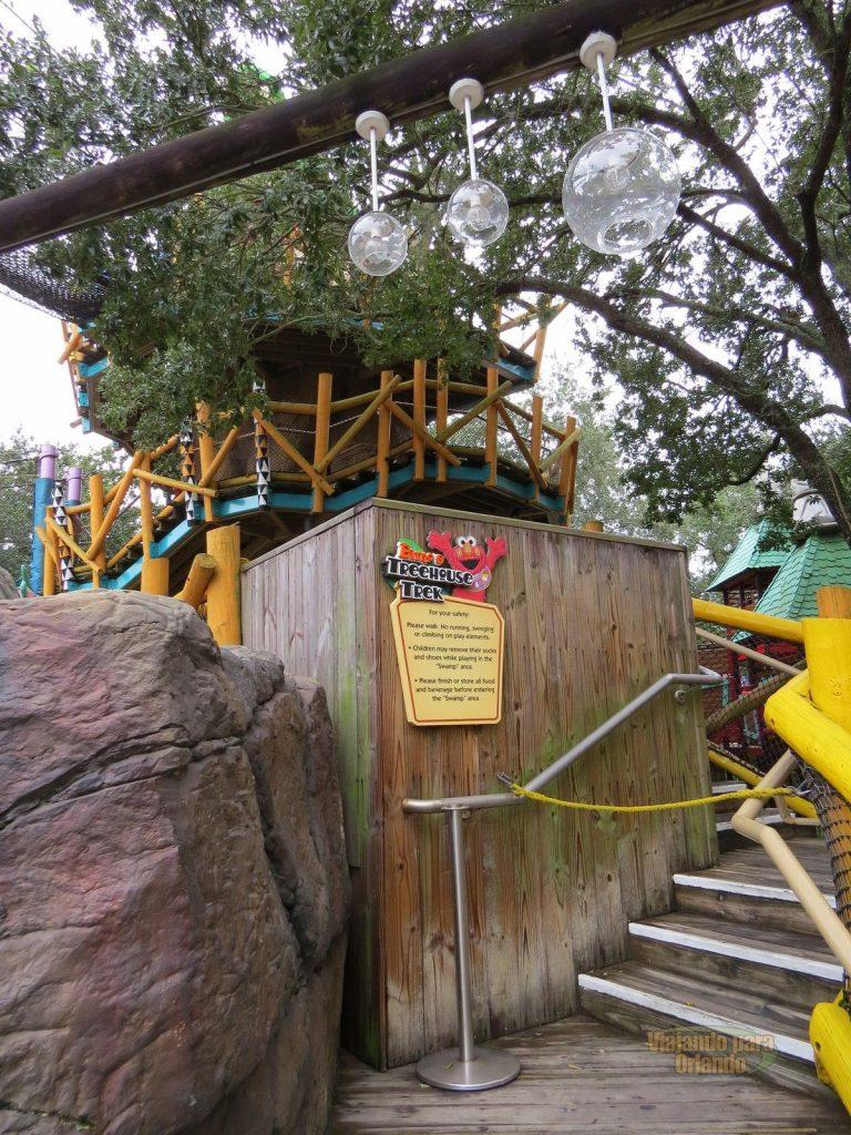 Elmo's Treehouse Trek