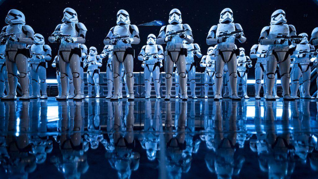 Saiba mais sobre a fila virtual da atração Star Wars: Rise of the Resistance