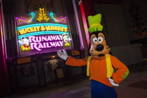 Assista no dia 3 de março a cerimônia de inauguração de Mickey & Minnie's Runaway Railway